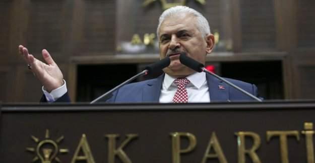 Başbakan Binali Yıldırım öğretmen ve polis adaylarına müjdeyi verdi