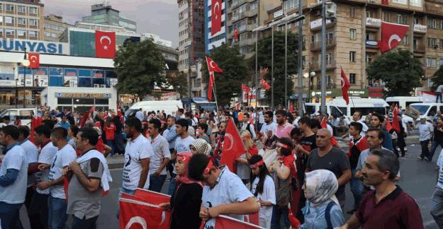Cumhurbaşkanı Erdoğan, Kızılay'da toplanan vatandaşları Külliyeye davet etti