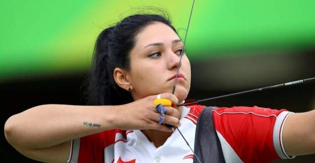 Milli okçu Yasemin Ecem Anagöz Rio'ya veda etti