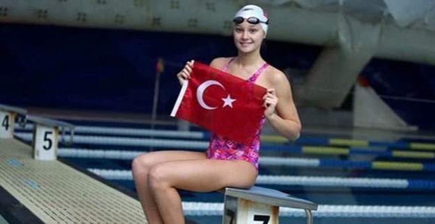 Milli yüzücümüz Viktoria Zeynep Güneş yarı finalde!
