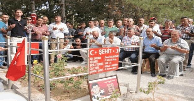 Şehit Ömer Halisdemir'in kabri ziyaretçi akınına uğruyor