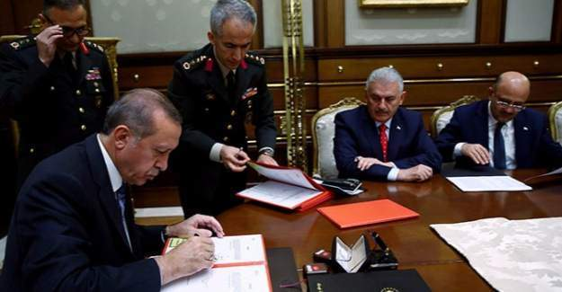 YAŞ Toplantısında alınan kararlar - YAŞ kararlarında emekliye sevk edilen albayların isim listesi