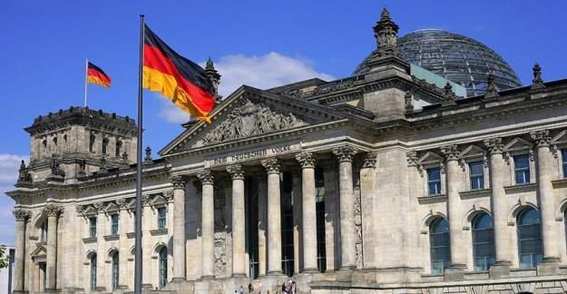 Almanya'da 9 okul tehdit nedeniyle boşaltıldı!