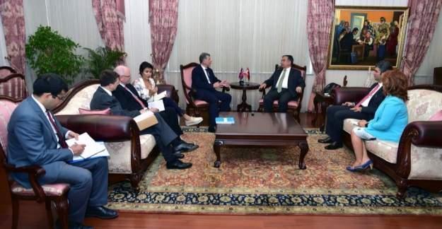 Bakan Yılmaz, İngiltere'nin Ankara Büyükelçisi Moore ile görüştü
