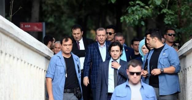 Cumhurbaşkanı Recep Tayyip Erdoğan mezar ziyaretinde!!!