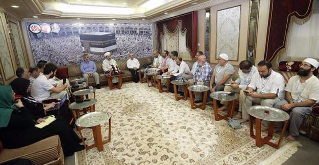 Diyanet İşleri Başkanı Görmez, Mekke'de basın mensuplarıyla bir araya geldi