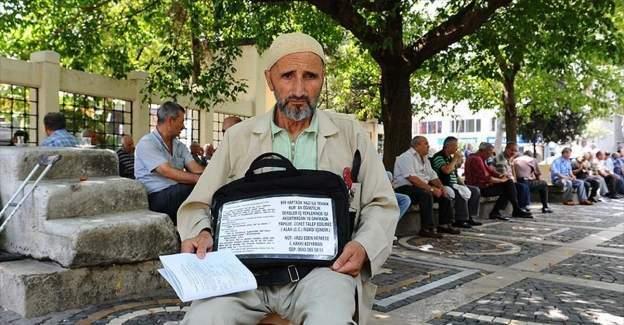 İsmail Hakkı Adıyaman 20 yıldır İstanbul'da esnafa Kur'an-ı Kerim öğretiyor