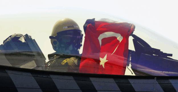TSK'dan ilişiği kesilen pilotlar için açıklama
