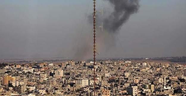 İsrail den Gazze'ye hava saldırısı