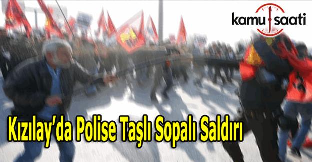 Kızılay'da olay çıkaran gruba polis müdahale etti - Kızılay yaya trafiğine kapatıldı