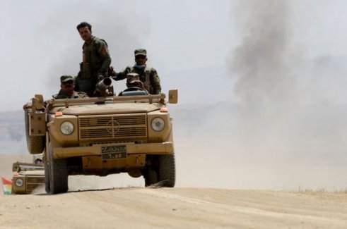 Peşmerge Musul'un girişine yakın bölgeleri bombalıyor