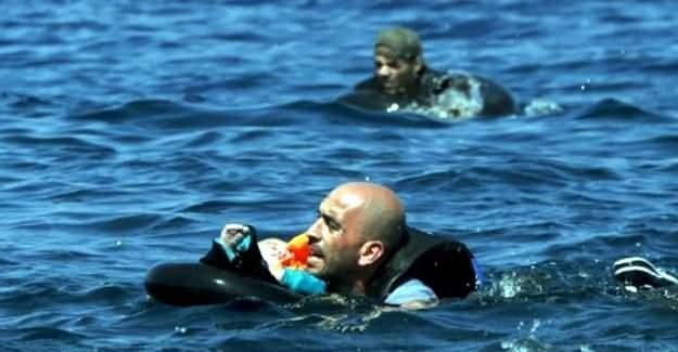 Akdeniz'de göçmen teknesi battı, onlarca kayıp var