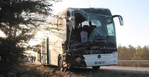 Eskişehir'de trafik kazası, 13 yaralı