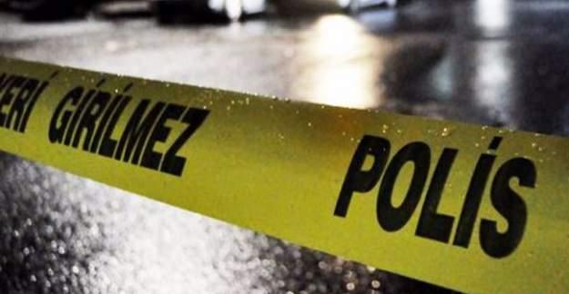 İşçileri taşıyan minibüs eve çarptı: 3 ölü 8 yaralı