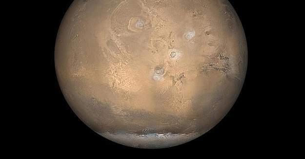 Mars'ta dev bir buz kütlesi