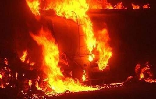Mozambik'te yakıt tankeri patladı: 73 ölü, 100 yaralı