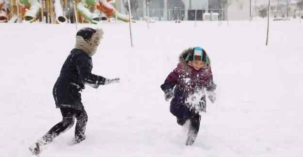 Erzurum'da eğitime kar engeli