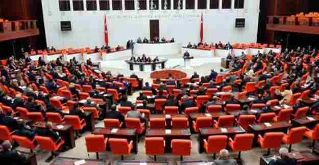 Tutuklu HDP milletvekillerinin fotoğrafları kaldırıldı