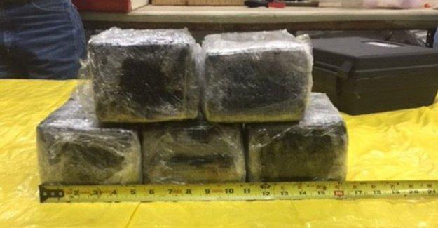 Amerika uçağında kokain bulundu