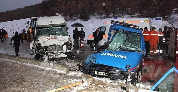 Askeri araç trafik kazası yaptı -2 şehit,10 yaralı
