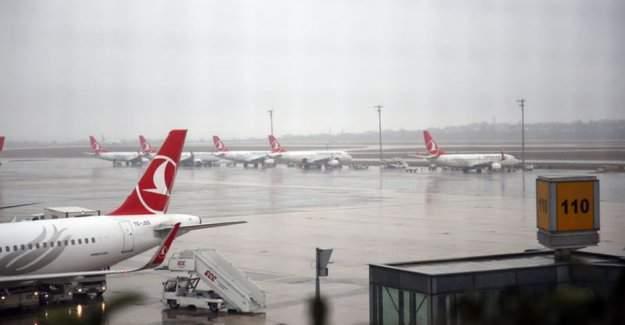 Atatürk Havalimanı'na kar engeli