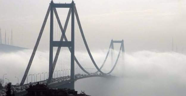 İstanbul Boğazı'nda trafiği sis engeli - Geçişler durduruldu