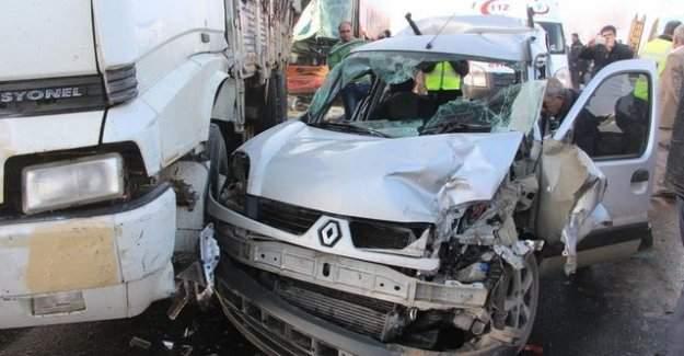 Şanlıurfa'da zincirleme kaza, 10 araç birbirine girdi