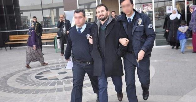 8 ilde akademisyenlere FETÖ operasyonu: 23 gözaltı