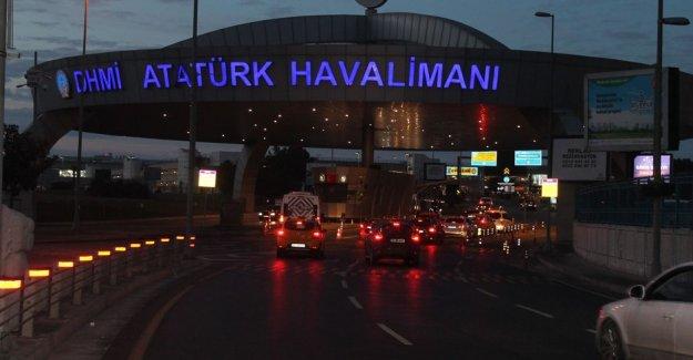 Atatürk Havalimanı girişinde şüpheli minibüs