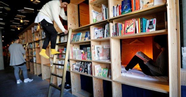 Japonya'da kütüphaneden otel
