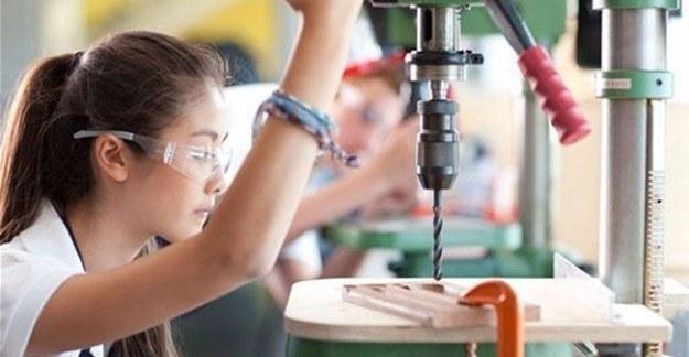 Liselilere maaş müjdesi - Bin TL kazanacaklar