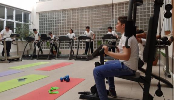 """Metin Oktay Ortaokulu'ndan  """"Geleceğime Yürüyorum"""" projesi"""