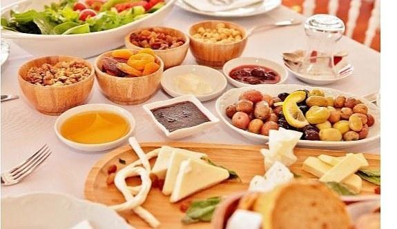 Bayram kahvaltısında neler tüketilmeli? Uzmandan bayram tavsiyeleri