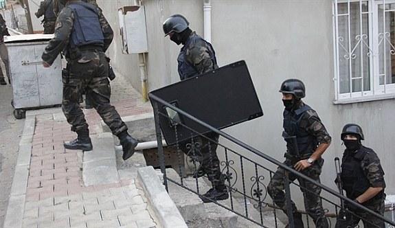 İzmir'de dev operasyon: 297 gözaltı