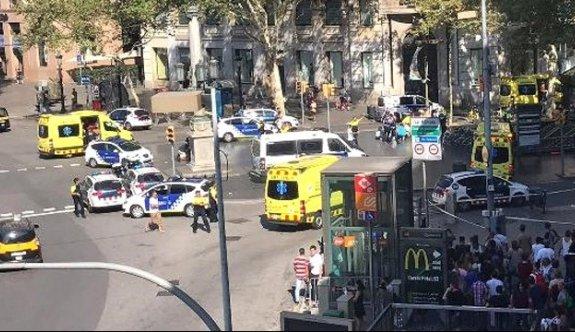 Barcelona'da patlayıcı yüklü yelek giymiş bir kişi vuruldu