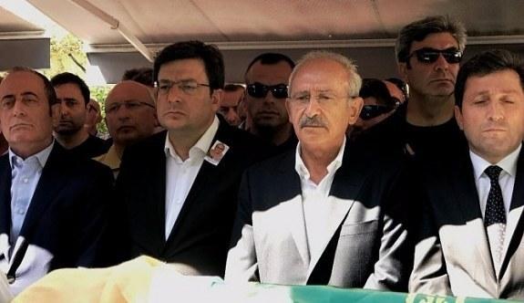 Kılıçdaroğlu, Mübeccel Erkek'in cenaze töreninde