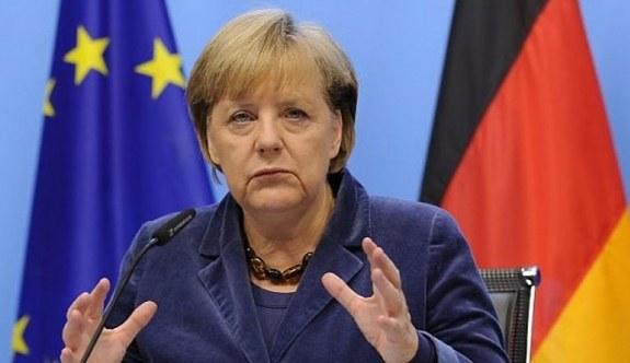 Merkel'den Türkiye ile Gümrük Birliği açıklaması