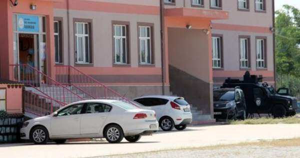 Ardahan'da eğitim kurumlarına 'paralel' operasyonu