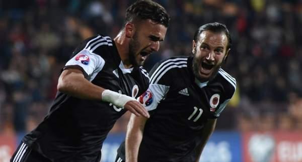 Arnavutluk 3 attı EURO 2016 biletini kaptı