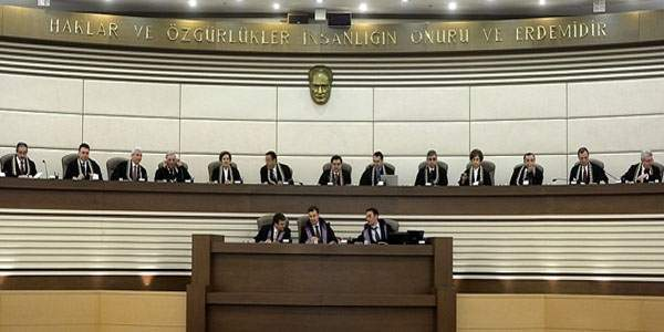 AYM YSK kararlarına karşı açılan davaları kabul etmeyecek