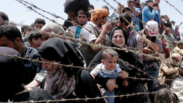 Binlerce Sığınmacı Türkiye Yollarında