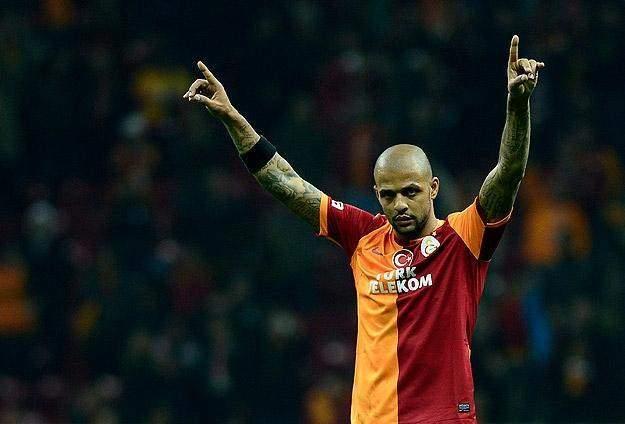 Melo Galatasaray'da kaldı