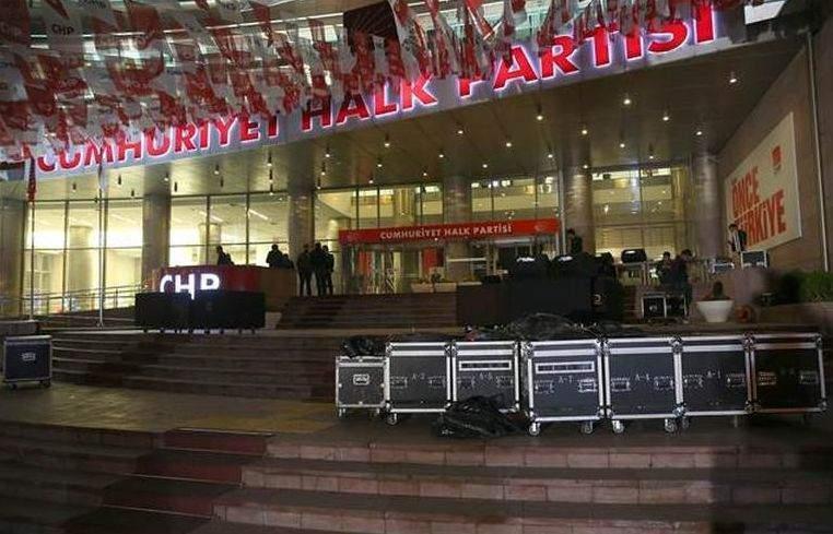 CHP Genel Merkezi önünden silah sesleri yükseldi