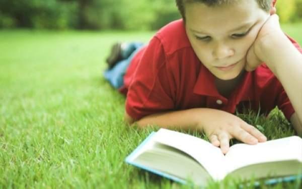 Çocuklar Kitaplarını Kendileri Seçmeli