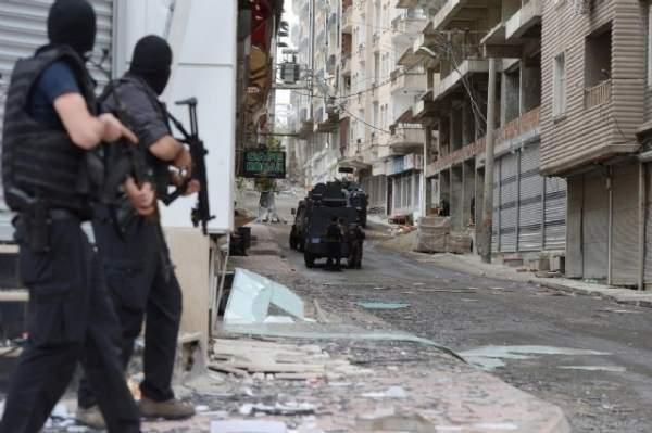 Diyarbakır Silvan'da PKK Terör Örgütüne Ağır Darbe: 21 Ölü