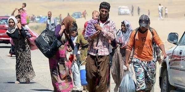 En az 50 bin Suriyeli Türkiye yolunda