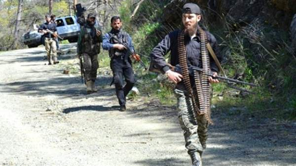 Esad Türkmenlere Saldırıyor