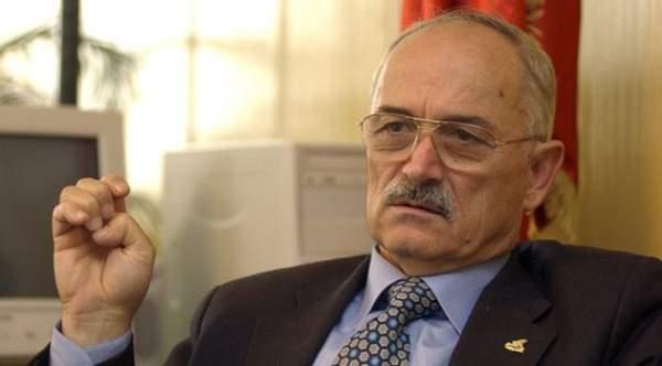 Eski Başbakan Yardımcısı Pakdemirli ağır yaralandı