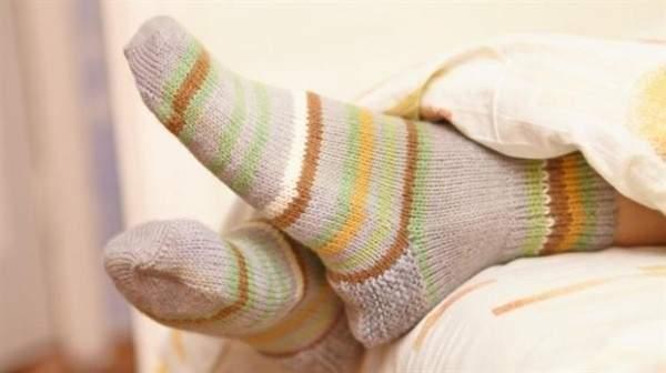 Gece çorapla yatmak sağlık sorunlarına davetiye çıkartıyor