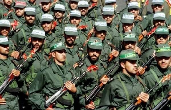 İran binlerce askerini Suriye'ye gönderdi